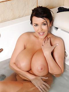 Bath Porn Pictures