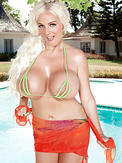 Bikini Porn Pictures